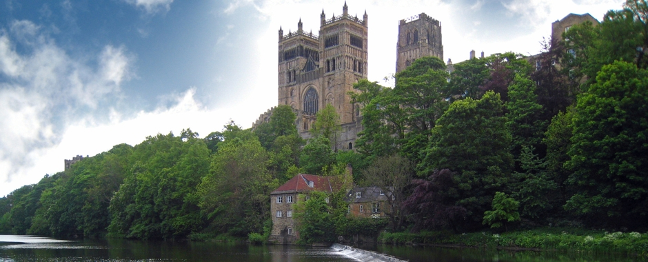 a description of the durham cathedral located in durham county england This live city of durham weather web cam is overlooking the historic durham cathedral and durham castle and the river wear in durham county north east england.