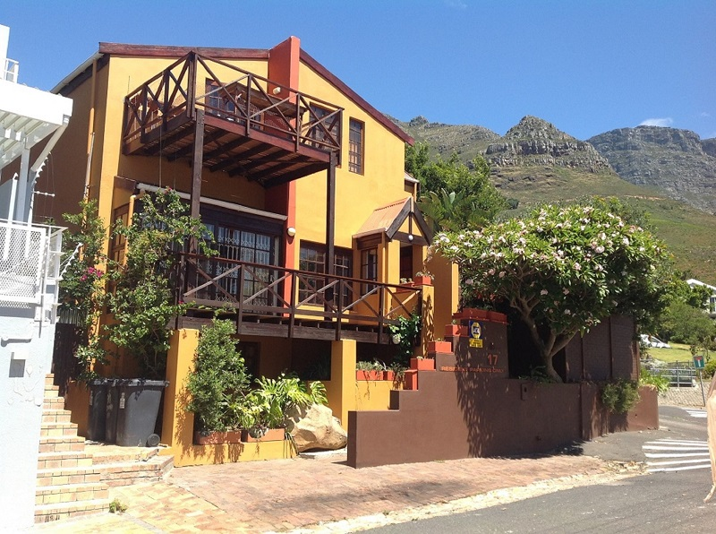 Homestay on slopes of Table Mountain for young professionals & international students