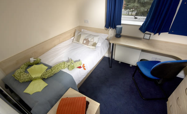 Liberty living queen 39 s hospital close for Green room birmingham